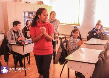 69 Team for Youth Belinda Tom Sawyer Volunteering (2)